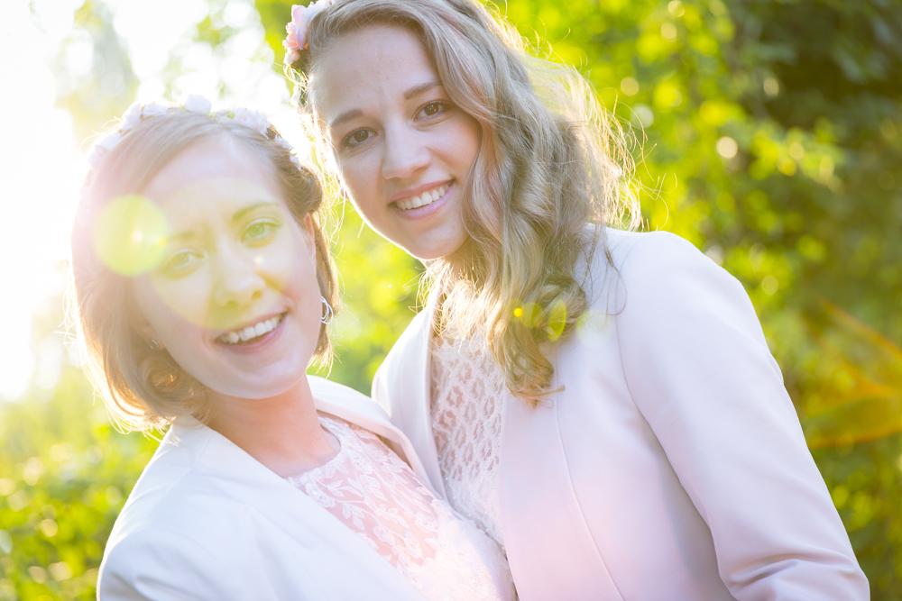 Hochzeiten im Sonnenuntergang; Einstellungssache - Fotografie & Bilderwerkstatt. Credit: Michael W. Mürling